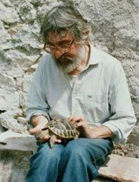 Un monaco laico: Gianpietro Sono Fazio (e la sua amata tartaruga Cristina).