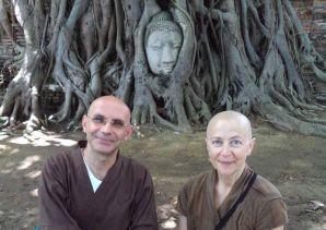 Al cuore del Buddha: i monaci soto Guglielmo Doryu Cappelli e Annamaria Gyoetsu Epifania.